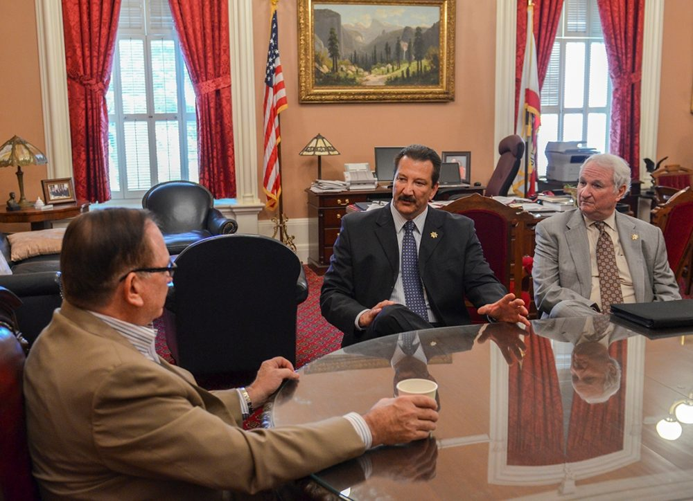 CSLEA President Alan Barcelona (center) and CSLEA lobbyist Craig Brown (right) meet with Senate Minority Leader Bob Huff to discuss issues vital to DOJ Special Agents on June 03, 2014.